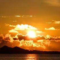*石垣島の大自然/お部屋から見られるサンセット。島の大自然に癒しのパワーをもらって。