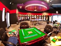 【アミューズメントルーム/宿泊者無料】スロット、麻雀、卓球台など♪