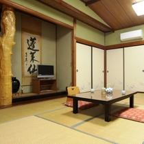 別館 (2)当館の宿泊棟は、昔ながらの平屋建。