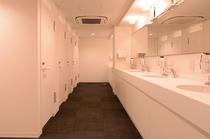 3F男性フロア シャワースペース、洗面所