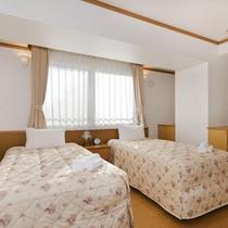 *2ベッドルームデラックスまたはプレミアム室内一例/ベッド幅はゆとりある100cmのベッドを採用!