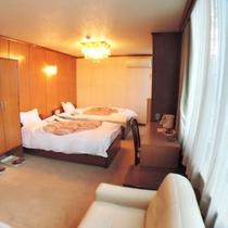 *【ツインルーム】ベッド2台+ソファがあり、ゆったり寛げます