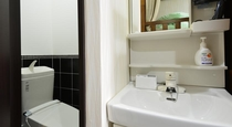 各部屋備え付けの洗面所