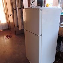*館内には共同でお使いいただける冷蔵庫がございます。