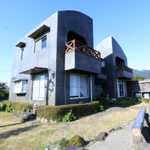朝陽や夕陽・・・「癒しの館つわんこ」から屋久島の景色を一望できます。