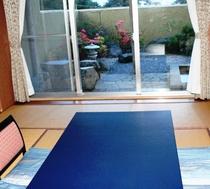 10畳の広さの庭園露天風呂付客室