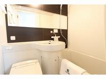 ユニットバス/全室ウォシュレット付きトイレを設置