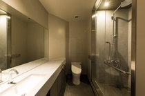 PRIVATE SHOWER ROOMS