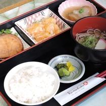*【夕食一例】ボリューム満点の日替わり創作料理です