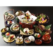 ご夕食一例※季節により料理内容や器が異なります。