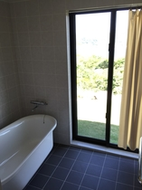 バスタブ付き浴室