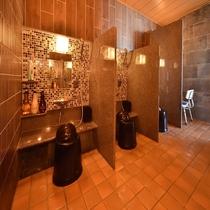 男性大浴場洗い場