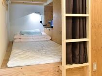 オリジナルPOD型ベッド