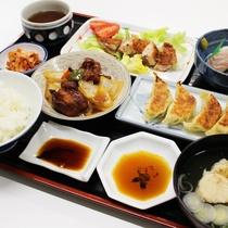 *【夕食全体例】惣菜屋だったこともあり、料理の腕には自信アリ!