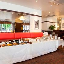 朝食会場は1Fレストラン『ロイヤルホスト』