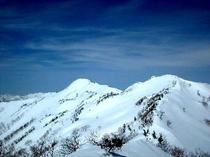 残雪の武尊山
