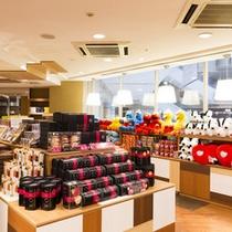 【シェラトンショップ ベイリーフ】神戸のお土産や地元の名産品、USJグッズも並ぶ