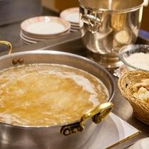 【Garden Cafe朝食ブッフェ】淡路玉葱のスープも人気