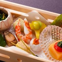 【日本料理「松風」】素材を吟味した旬を愛でる伝統的な日本料理を。