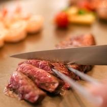 【神戸グリル】柔らかく風味豊かな上質のビーフやシーフードを眺望抜群の鉄板焼「神戸グリル」で愉しめる。