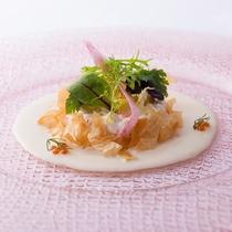 【Kobe Grill】地元兵庫を中心とする選りすぐりの食材を多彩な料理にアレンジ