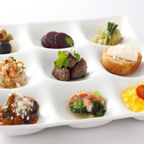 【Garden Cafe】目にも愉しい約50種ものアイテム豊富なランチブッフェ
