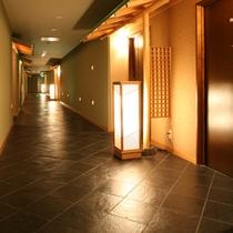 7階和室廊下