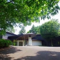 【観光スポット・中軽井沢】 軽井沢現代美術館