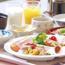 *朝食 2