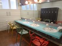 女性 華の湯 脱衣室