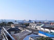 【施設】屋上からの景色。平良港・西里通りへは徒歩約3分、パイナガマビーチへは徒歩約5分です♪
