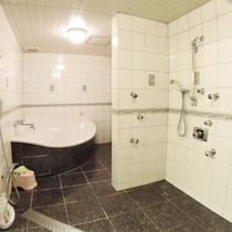 *特別室一例/広いスペースがとられたバスルーム!特別室だけの贅沢な空間です。