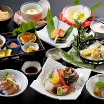 【紫御膳】旬の食材を厳選し、心を込めてお届けする和食膳。ゆらりの定番!