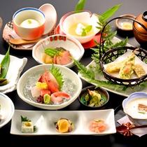 【菊御膳】旬の食材を厳選し、心を込めてお届けする和食膳。ボリューム控えめ