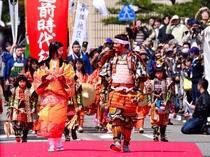 【越前時代行列】柴田勝家やお市の方、姿武者隊等総勢600名が鎧兜に身をかため時代絵巻を繰り広げる♪