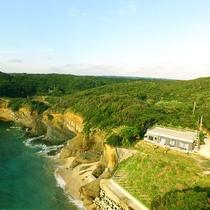 【宿の前の海】恵美之湯はロケット射場が種子島で一番近くに見える宿でもあり、宿の屋上から打ち上げ見学が