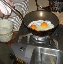 目の前で作る卵料理