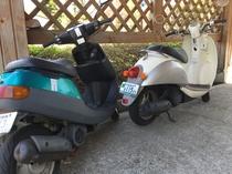 原付バイクは2台だけですので、予約したほうが無難です。