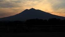夕暮れの岩木山♪
