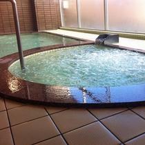 *【温泉・内湯】弱アルカリ性冷鉱泉の温泉で美肌の湯として好評です。