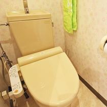*【部屋・トイレ】洗浄機能付きトイレを各コテージに備え付けております。