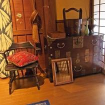 【ギャラリー】絵画・写真・デザイン・書などが展示しております。