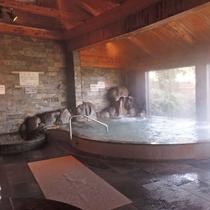【大浴場/男湯】湯楽里の「ゆ」はやわらかな天然温泉。
