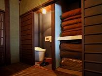 2階のトイレと押入れ収納
