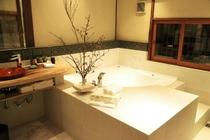 麻の間 バスルーム
