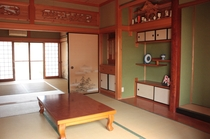 "風の間 ""Kaze no ma""    和室(8畳)×2部屋"