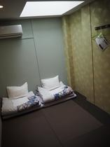 303号室 和室ツインルーム共用バスルーム