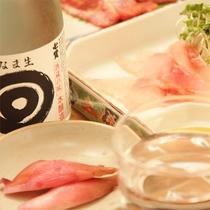 *夕食一例/お料理に合う、地酒もご用意しております。温泉の後の一杯は最高♪