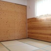 *1階和室/木のぬくもりがそのまま1階和室お布団でお休みください