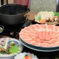 ご夕食:国産豚ロースのしゃぶしゃぶ膳(2人前盛り付け例)